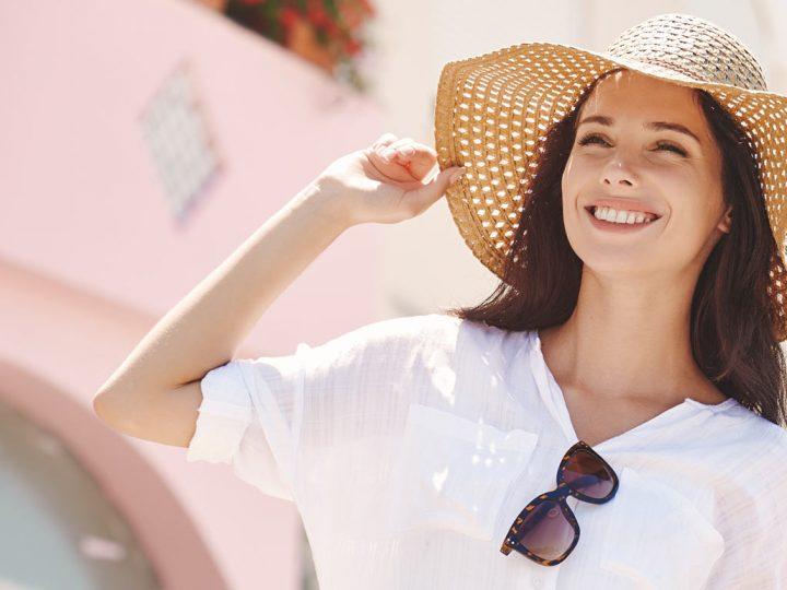 ¿Cómo hidratar y preparar la piel para que no pierda su brillo bajo el sol?